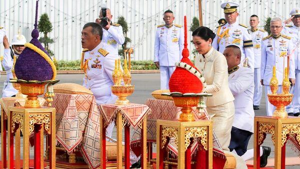Tayland Kralı Maha Vajiralongkorn, Suthida Vajiralongkorn na Ayudhya - Sputnik Türkiye