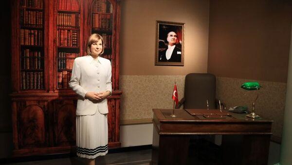 Tansu Çiller'in figürü Madame Tussauds'da sergileniyor - Sputnik Türkiye