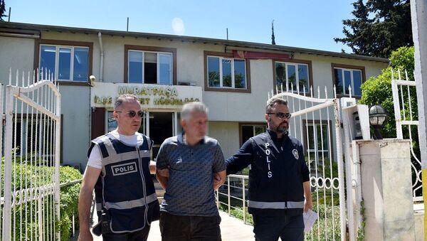 2 çocuğu iş yerine kilitleyip cinsel istismarda bulunduğu iddia edilen M.F. - Sputnik Türkiye