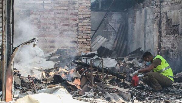 Sri Lanka'da Müslümanlara ait fabrika ateşe verildi - Sputnik Türkiye