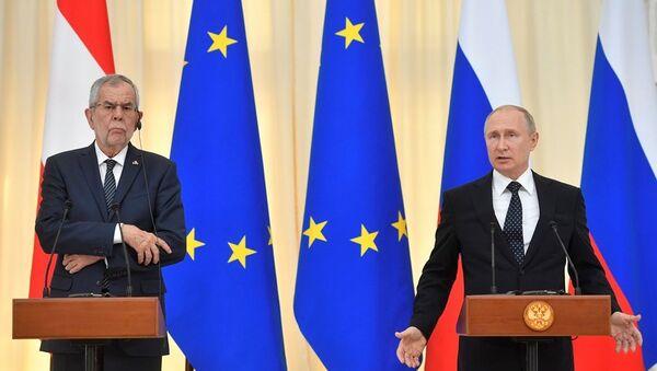 Alexander Van der Bellen - Vladimir Putin  - Sputnik Türkiye