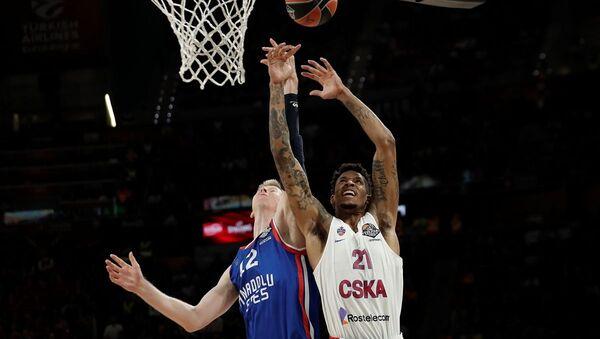 2018-2019 sezonu Turkish Airlines EuroLeague finalinde Türkiye'den Anadolu Efes ile Rusya'dan CSKA Moskova karşı karşıya geldi. - Sputnik Türkiye