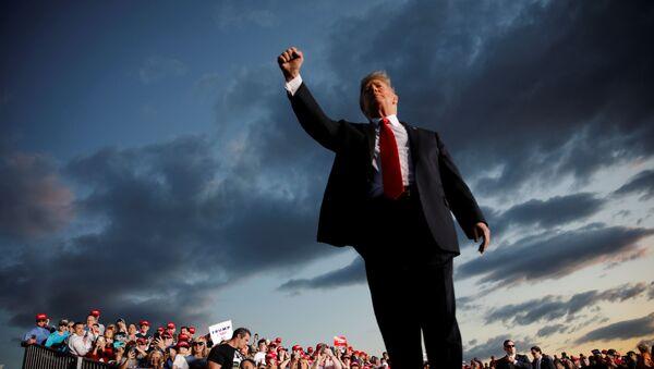Donald Trump Montoursville, Pennsylvania mitinginde - Sputnik Türkiye