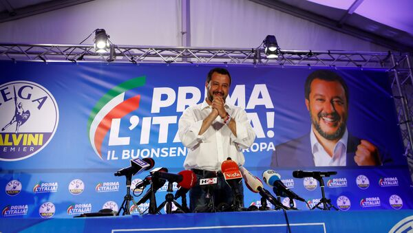 İtalya'nın aşırı sağ görüşlü Lig Partisi lideri Matteo Salvini - Sputnik Türkiye