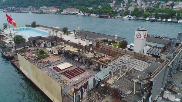 Galatasaray Adası paravanlarla çevriliyor - Sputnik Türkiye