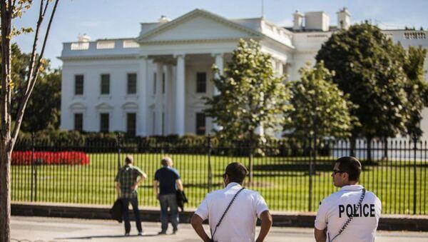 ABD'de Beyaz Saray yakınlarında kendini ateşe verdi - Sputnik Türkiye