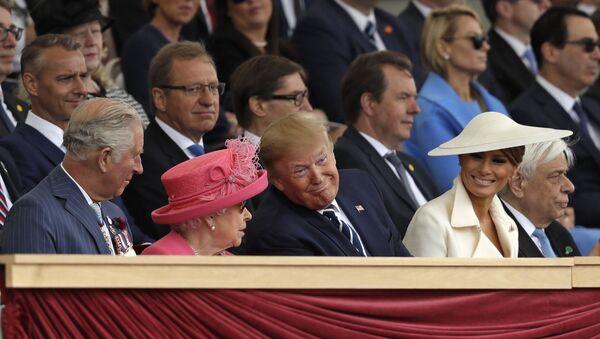 Donald Trump, Kraliçe 2. Elizabeth, Melania Trump - Sputnik Türkiye