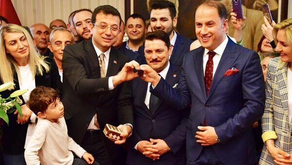 Mehmet Murat Çalık - Ekrem İmamoğlu - Sputnik Türkiye
