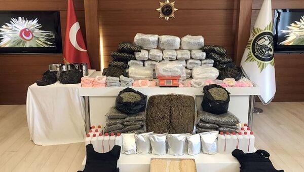 İstanbul'da uyuşturucu operasyonları - Sputnik Türkiye
