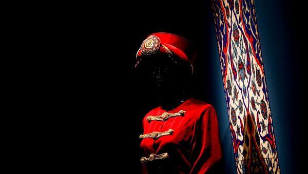 Rusya'nın başkenti Moskova'da Çağdaş Tasarımcıların Gözüyle Osmanlı Kaftanları sergisi düzenlendi. - Sputnik Türkiye