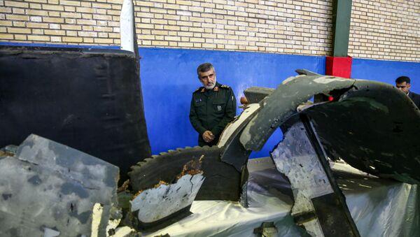 İran, vurduğu ABD İHA'sının enkazını kamuoyuna sundu. - Sputnik Türkiye