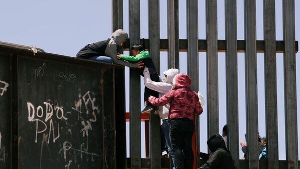 ABD Meksika göçmen - Sputnik Türkiye