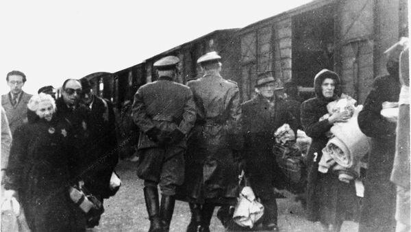 Hollanda Demiryolları, Yahudi Soykırımı'ndaki rolü nedeniyle milyonlarca euro tazminat ödeyecek - Sputnik Türkiye