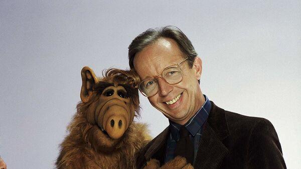 1980'li yılların fenomen dizisi Alf'te, baba Willie Tanner'ı canlandıran aktör Max Wright  - Sputnik Türkiye