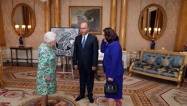 İngiltere Kraliçesi 2. Elizabeth, Irak Cumhurbaşkanı Berham Salih - Sputnik Türkiye