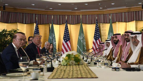 ABD Başkanı Donald Trump ve Suudi Veliaht Prensi Muhammed Bin Selman - Sputnik Türkiye
