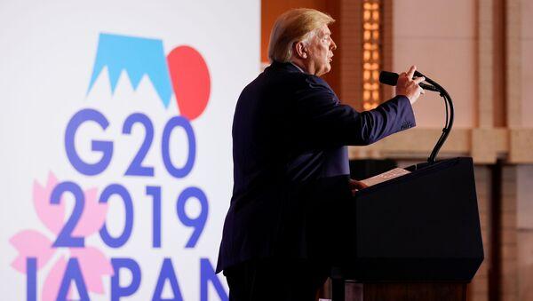 Donald Trump G20 zirvesinde basın toplantısı düzenlerken - Sputnik Türkiye