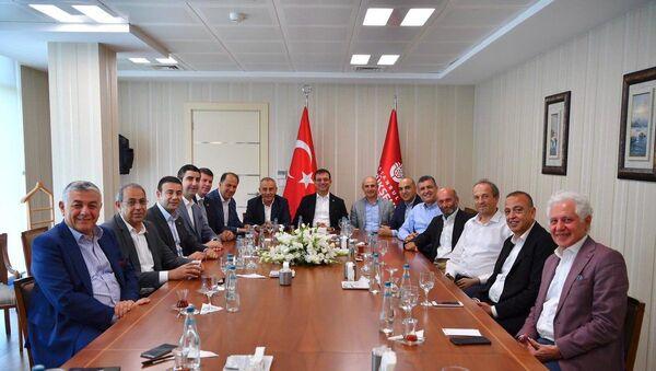 İstanbul Büyükşehir Belediye Başkanı Ekrem İmamoğlu, CHP'li İstanbul ilçe belediye başkanlarıyla bir araya geldi - Sputnik Türkiye