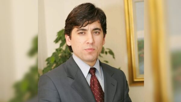 AK Parti Bergama İlçe Başkanı Güven Yakar, işlerinin yoğunluğu nedeniyle görevinden istifa ettiğini duyurdu. - Sputnik Türkiye