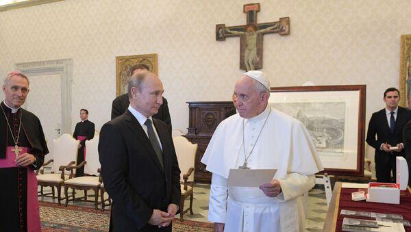 Vladimir Putin -  Papa Francis - Sputnik Türkiye