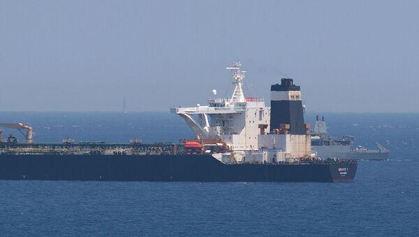 Cebelitarık açıklarında İngiltere tarafından durdurulan ve el konulan iran'a ait petrol tankeri - Sputnik Türkiye