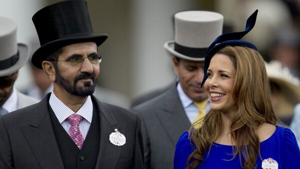 Birleşik Arap Emirlikleri (BAE) Devlet Başkan Yardımcısı, Başbakanı ve Dubai Emiri Şeyh Muhammed bin Raşid el Maktum ile 6. eşiPrenses Haya bint el Hüseyin, Ascot at yarışlarında - Sputnik Türkiye