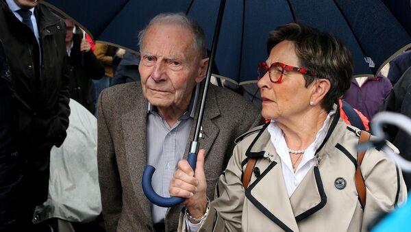 Fransa'da Vincent Lambert hakkındaki ötenazi davası - baba Pierre ve anne Viviane Lambert - Sputnik Türkiye