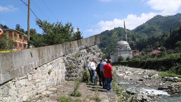Geçen yıl restorasyonu yapılan 300 yıllık köprü yıkıldı - Sputnik Türkiye