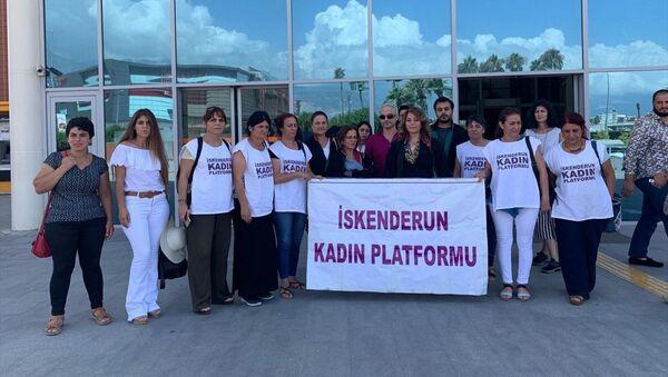 Kocasını öldüren kadına 15 yıl hapis cezası  - Sputnik Türkiye