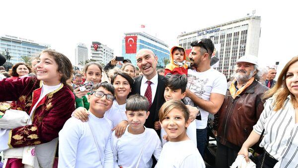 İzmir Büyükşehir Belediye Başkanı Tunç Soyer - Sputnik Türkiye