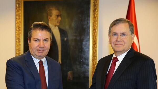 Dışişleri Bakan Yardımcısı Büyükelçi Sedat Önal, ABD'nin yeni Ankara Büyükelçisi David Satterfield'ı kabul etti. - Sputnik Türkiye