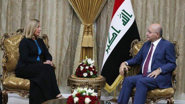 Irak Cumhurbaşkanı Berhem Salih, başkent Bağdat'taki konutunda Avrupa Birliği Dışişleri ve Güvenlik Politikaları Yüksek Temsilcisi Federica Mogherini'yi kabul etti. - Sputnik Türkiye