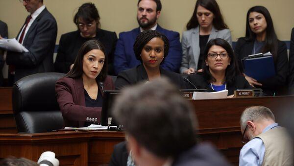 ABD Demokrat Kongre üyeleri Alexandria Ocasio-Cortez, Ayanna Pressley ve Rashida Tlaib - Sputnik Türkiye