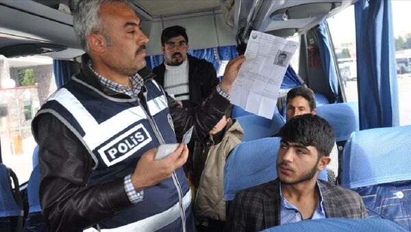 Suriyeliler, yol izin belgesi - Sputnik Türkiye
