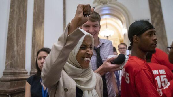 ABD Kongresi'nin Demokrat üyesi ilhan Omar - Sputnik Türkiye