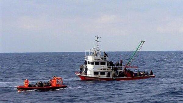 Libya açıklarında İtalyan balıkçı teknesine el konuldu  - Sputnik Türkiye