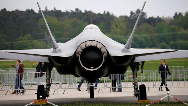 Самолет Lockheed Martin F-35 - Sputnik Türkiye