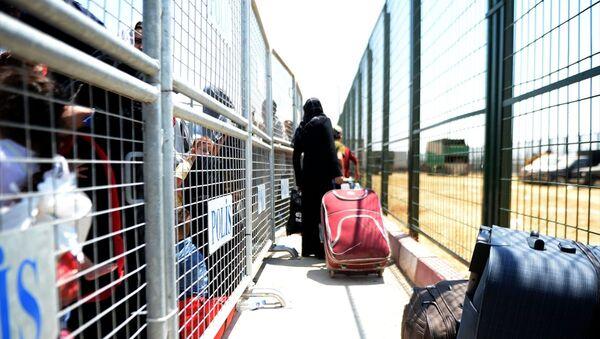Suriyeliler bayram için ülkelerine gidiyor - Sputnik Türkiye
