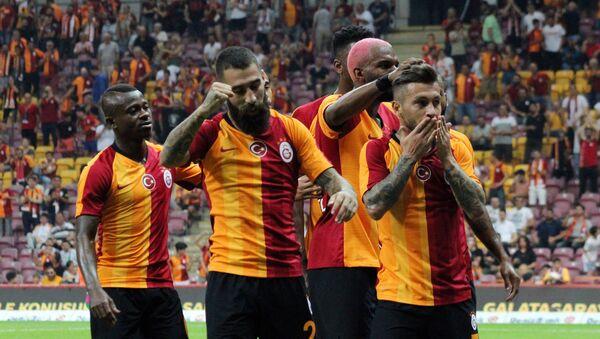 Galatasaray'dan 4. hazırlık maçında 2. galibiyet - Sputnik Türkiye