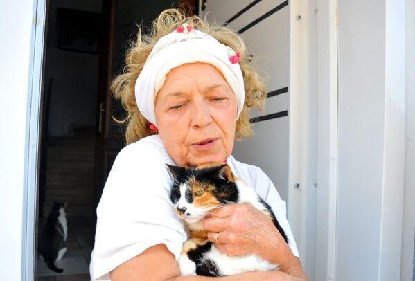 Hayatını kedilere adadı - Sputnik Türkiye