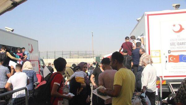 Bayrama giden Suriyelilerin sayısı 30 bin oldu  - Sputnik Türkiye