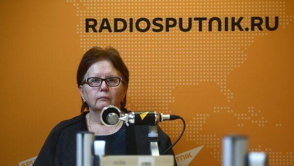 Ukrayna'da görev başındayken beş sene önce yaşamını yitiren Rossiya Segodnya savaş muhabiri Andrey Stenin'in annesi Vera Stenina - Sputnik Türkiye