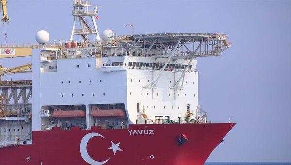 Gemi, 12 bin 200 metre derinliğe kadar çok yüksek basınç altında ve yüksekliği 6 metreye kadar olan dalgalarda dahi sondaj yapabiliyor. Çalışmalarını çevreye zarar vermeden gerçekleştiren Yavuz, aktif konumlandırma sitemine sahip.  - Sputnik Türkiye
