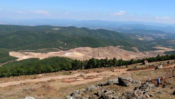 Kaz Dağları'nda altın madeni çalışmaları için binlerce ağaç kesildi. - Sputnik Türkiye