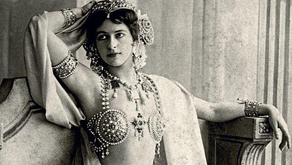 Efsanevi dansçı ve casus Mata Hari  - Sputnik Türkiye