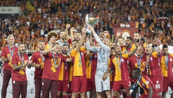 Galatasaray, TFF Süper Kupa'nın sahibi oldu. - Sputnik Türkiye