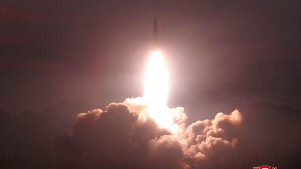 Kuzey Kore, füze denemesi - Sputnik Türkiye