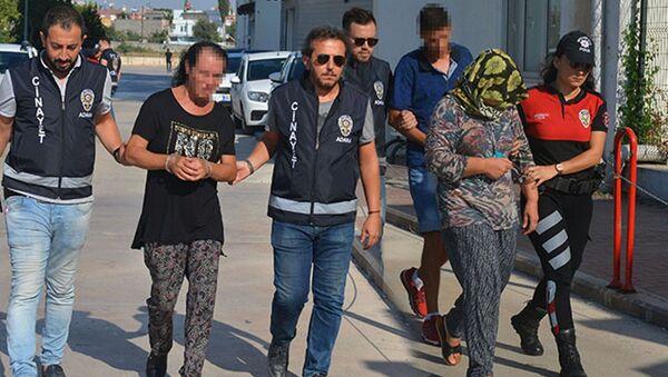 Trans bireyin evinde bastığı babasını öldürdü - Sputnik Türkiye