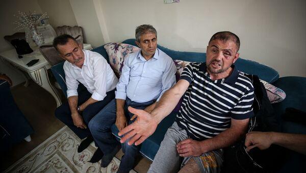 Gemlik'te bir gazi, 'sandalyeye ayaklarını uzattığı için' kafede darp edildi iddiası - Sputnik Türkiye