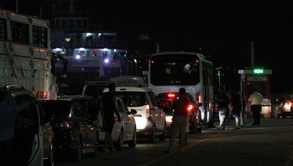 Kurban Bayramı tatili sonrasında dönüş yolundaki vatandaşlar - Sputnik Türkiye